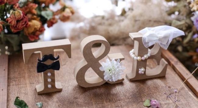 小物で差がつく結婚式の前撮り ウェディングフォトアイテム10選