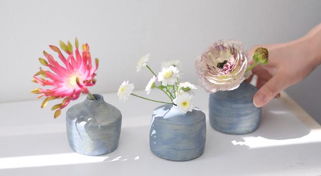クリーマスタッフの花のある暮らし。花器とお花の楽しみ方