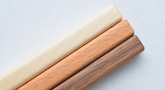 木の種類が違うと何が変わる?インテリアや家具選びに役立つ、木材の知識