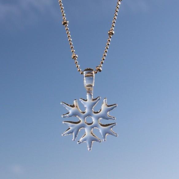 冬こそ身に付けたい雪の結晶アクセサリー。ピアス・ネックレス12