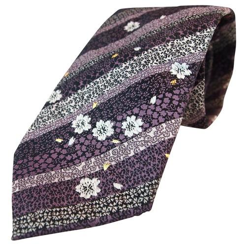 和柄 高級ネクタイ 金襴布利用 おしゃれで和の一本です。