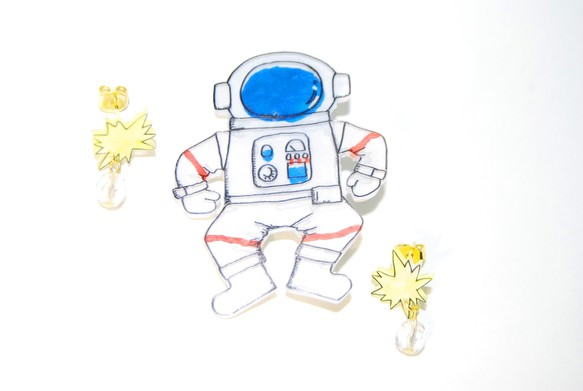 宇宙飛行士ブローチ ブローチ Aremo Koremo 通販creemaクリーマ