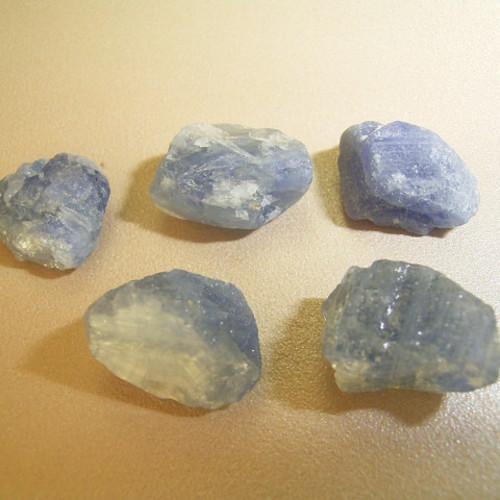 サファイア 原石