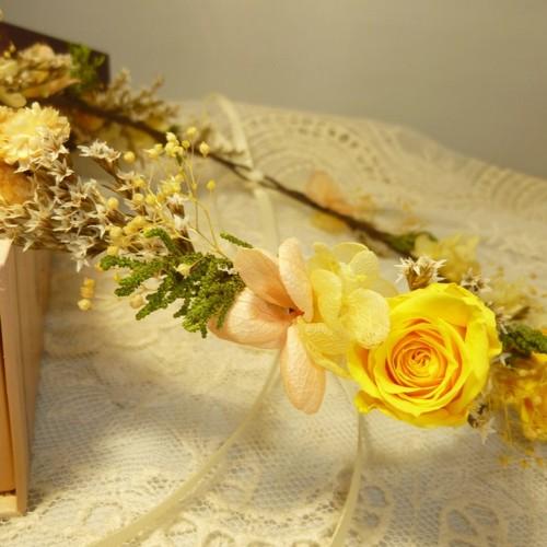 黄バラの花冠 ヘッドドレス ウェディング 唐沢野枝 通販 Creema クリーマ ハンドメイド 手作り クラフト作品の販売サイト