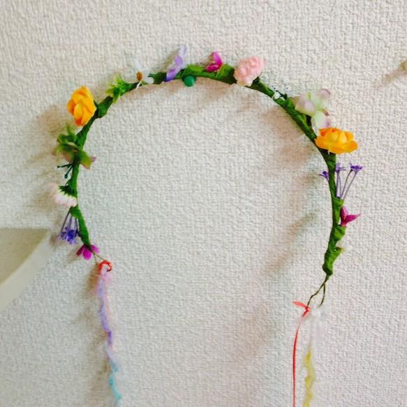 毛糸とサテンリボンつき花冠(ミニサイズ)