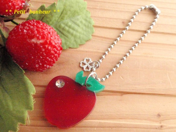 バッグチャーム 真っ赤なリンゴちゃん service price ファッション