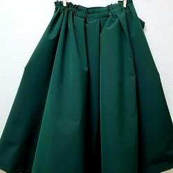 62d96e23bc4d7f 再販グリーンのリボン付きフレヤーギャザースカート リボン取外し着回し出来ます。 パーティー結婚式にも! スカート MADAM*MICHIYO  通販|Creema(クリーマ) ...