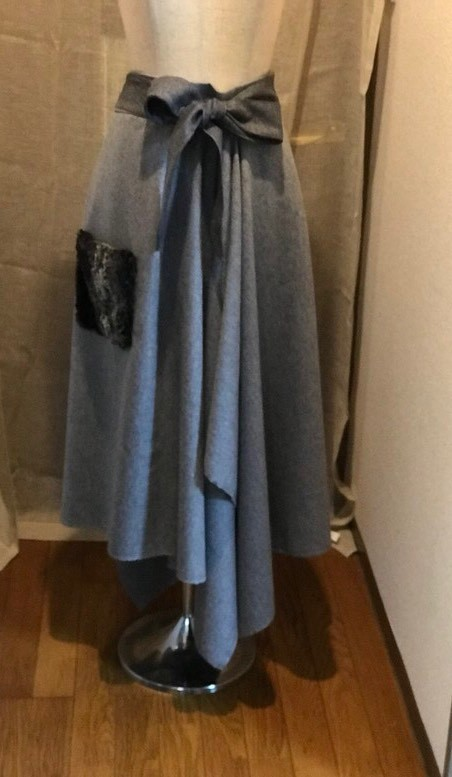 スカート ドレープ