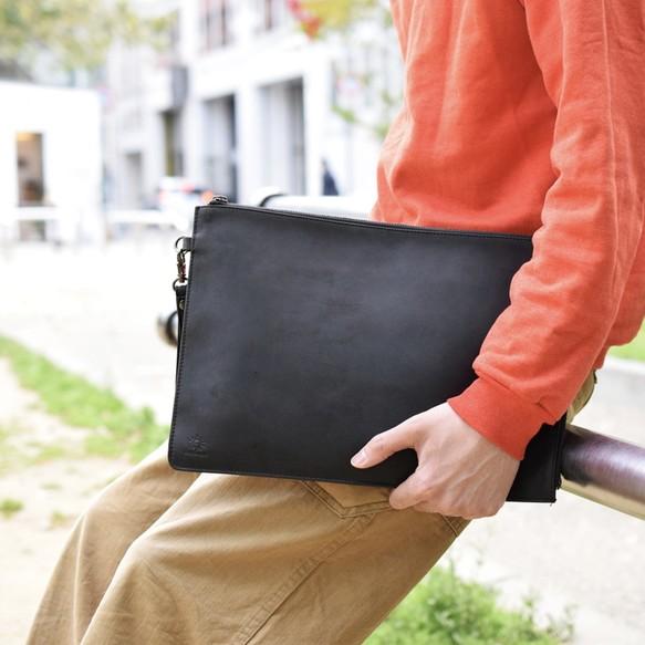91ecf21b73d8 牛革 クラッチバッグ ハンドバッグ Macbook 13インチケース ブラック 本革 名入れ刻印