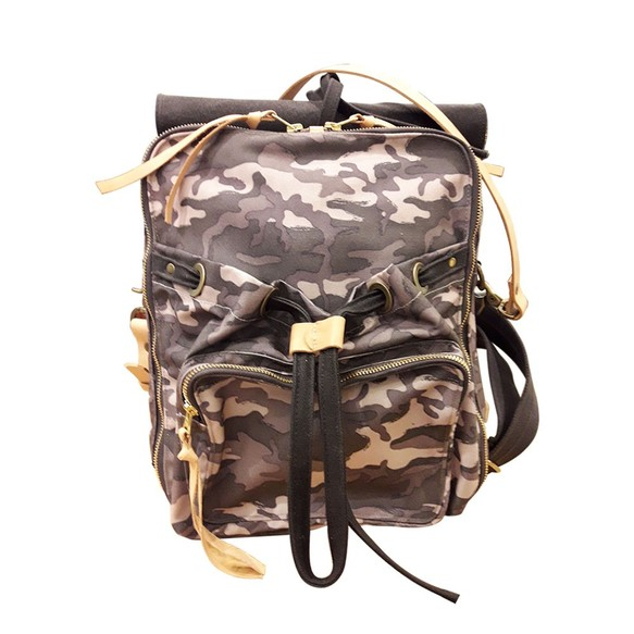 4d41a80deadf Waxedキャンバス迷彩バックパックUrban Camouflage Backpack(M / L)(カモ粉)