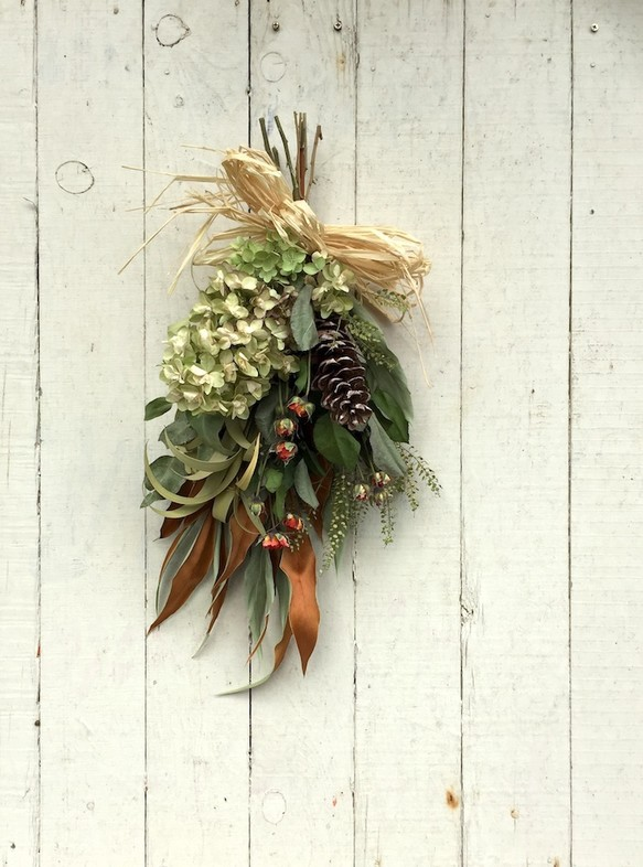 Dried flower swag カシワバアジサイ