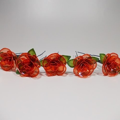 5 本 の バラ