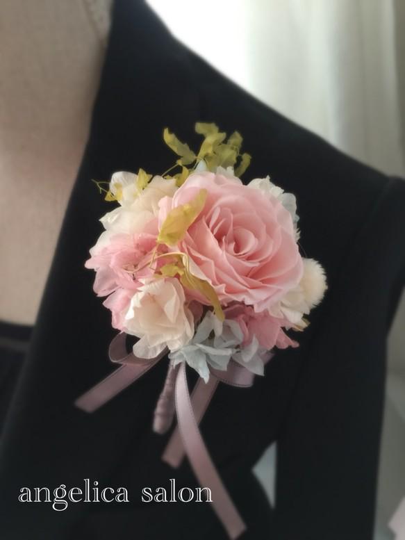 a20191befa6ef4 入学式コサージュ 桜ピンク色のプリザーブドフラワーバラとイチゴ草のコサージュ/卒業式・結婚式/ナチュラルテイスト 紫陽花 コサージュ Kobe  angelica salon