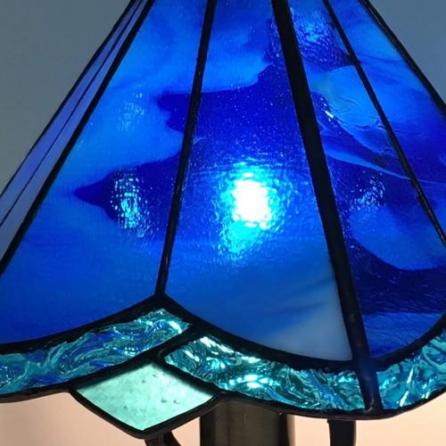 青色のステンドグラスランプ」照明・ブルーのランプ 照明(ライト ...
