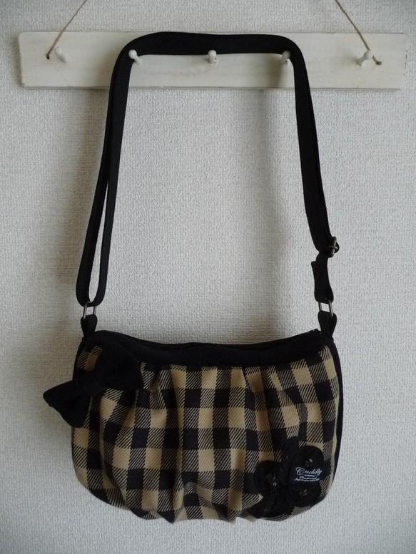 65b1aa6ffc81 リボン付きウールバッグ ショルダーバッグ まてりある 通販|Creema ...