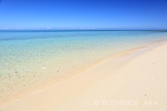 額装写真】白砂の屋良浜 写真・...