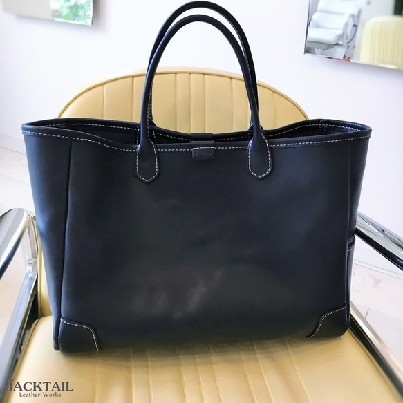3be2736f9635 【送料無料】トートバッグ / シンプルなデザインの革バッグ オイルレザー 牛革(ネイビー)