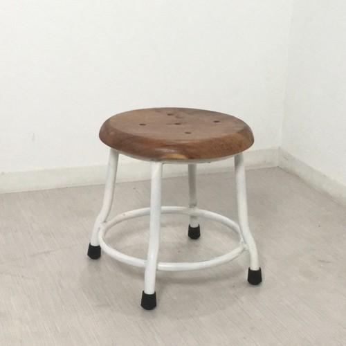 低い 椅子