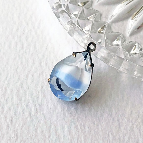 Glass pendant pear 15mm11mm pdt 1101vintage glass pendant pear 15mm11mm pdt 1101vintage mozeypictures Gallery