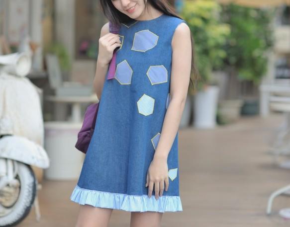 徐ムー:ウェーブスイング両側に着用ドレス(+タンニンアップリケ青と白のストライプ)