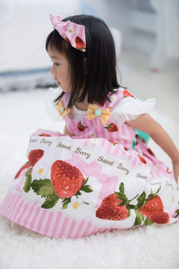 1edb52d770a5c イチゴの女の子のベストドレス 子供服 Babylolita 通販 Creema(クリーマ ...