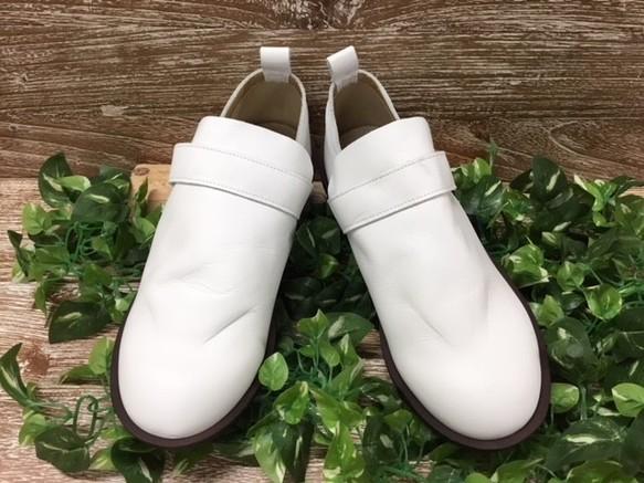 efdeb55a1611 ぽっこりオデコ甲深ストラップ ホワイト 1310 シューズ・靴 D'knot 通販 ...
