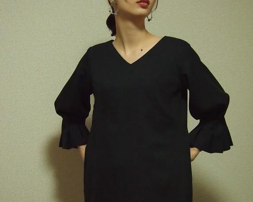 108f049fcaa6a [dress]pleats conscious black ▫ サイズ調整可能▫ 受注生産▫︎