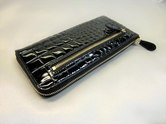9a7966ad7e16 牛革型押しエナメルクロコⅬ字ファスナータイプの長財布です。(黒) 長 ...