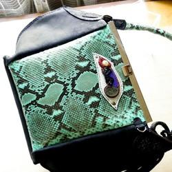 1e00fcd8ad2c 本パイソンとヌバックのクラッチ風バッグ ハンドバッグ CPR 通販|Creema(クリーマ) ハンドメイド・手作り・クラフト作品の販売サイト