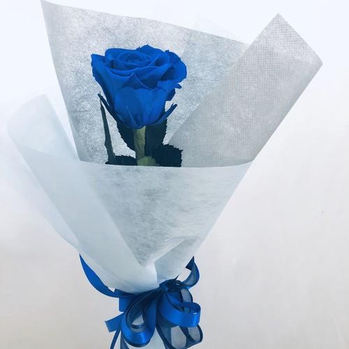 プリザーブドフラワー/青い薔薇の祝福一輪ラッピング】 フラワー ...