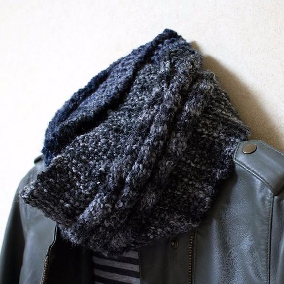 9f83e5f7572685 送料無料◇寒い日に首元あったか♪手編みのクールなスヌード Wカラー ...