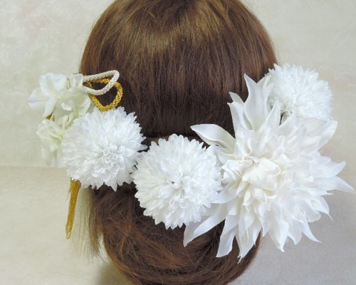 0f179d19f0548 白百合のシンプルヘッドドレス 結婚式 海外挙式 成人式 二次会 パーティ ...