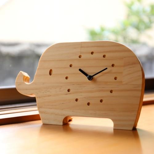 ぞうさんの腹時計 ラジアータパイン集成 掛け時計・置き時計 ...