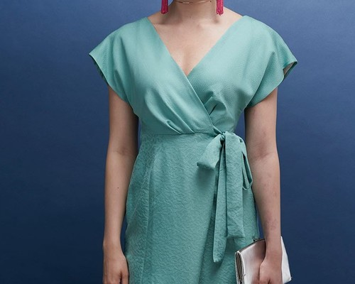 f047a4596d90c  SALE 1点もの着物リメイクテクスチャ違い グリーン シルク着物ラップワンピース 膝丈 半袖 ウエストリボン 若草色