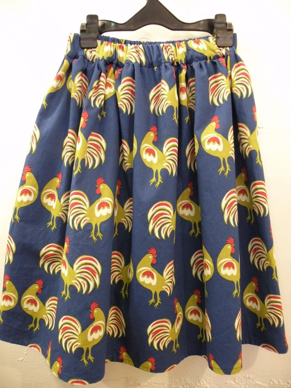e029f61917c0e1 日本製ニワトリ柄ギャザースカート藍色 スカート Hanako 通販 ...