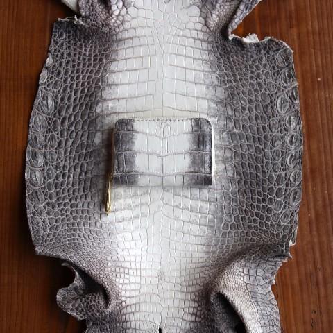 a69ae41282dc ヘンローン社製 ヒマラヤクロコダイル コインケース テール ワニ革 皮 ...