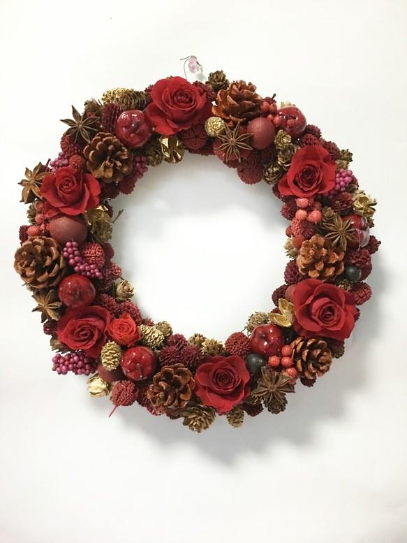 真っ赤なバラとりんごの大人クリスマスリース フラワーリース とよ