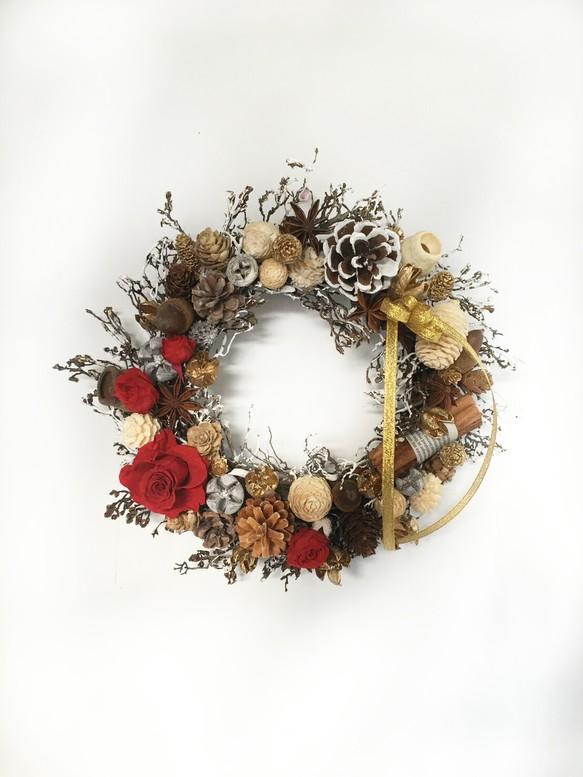 小枝と赤いバラのプリザーブドフラワーの大人クリスマスリース フラワー