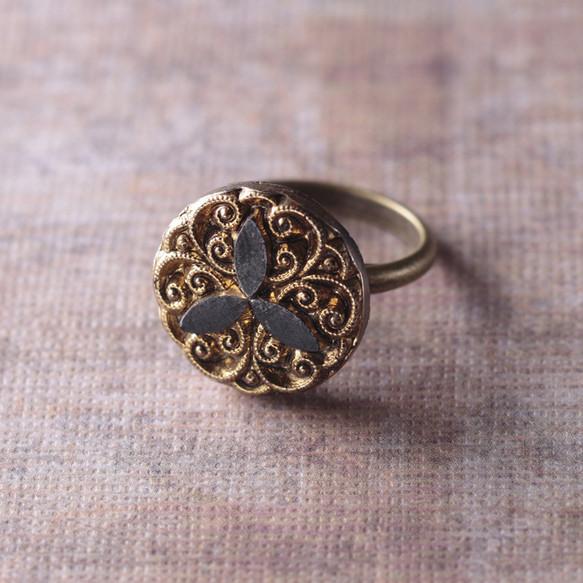 best loved 14b56 fb89a ヴィンテージシャネルボタンのリング 指輪・リング La Mariée d ...