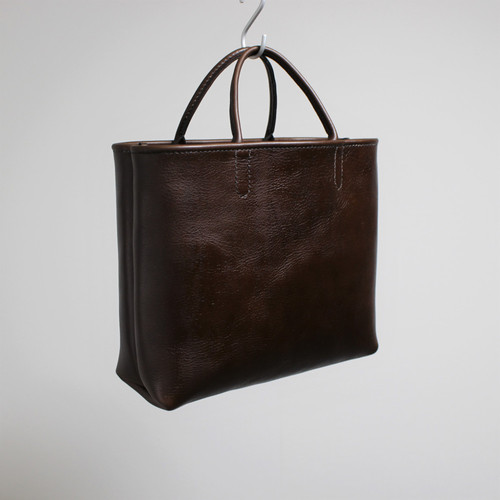 hand stitch + dark brown leather tote bag