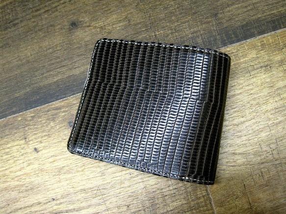 05d6ee58070f 本革二つ折財布 ポケットたくさん多機能! イグアナ柄 チャコールブラックグラデーション 財布・二つ折り財布 sansho-leather