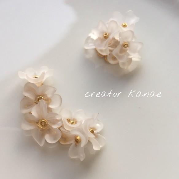 605c1aac916ff 白い小花のイヤーカフ イヤリング・ノンホールピアス creator kanae 通販 ...