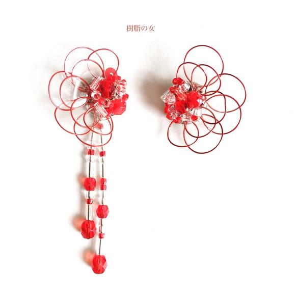 ace07a8180e238 艶めく花イヤリングorピアス 赤クリスタル イヤリング・ノンホールピアス 樹脂の女