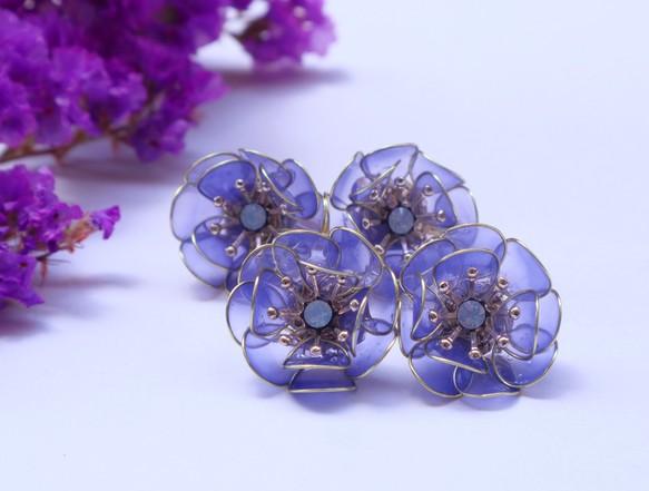 c3d751c5151fcd 儚い花耳飾り 紫 イヤリング・ノンホールピアス 樹脂の女 通販|Creema ...